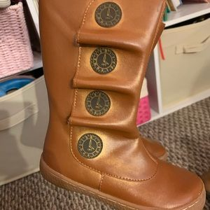 Size 9 livie & Luca boots